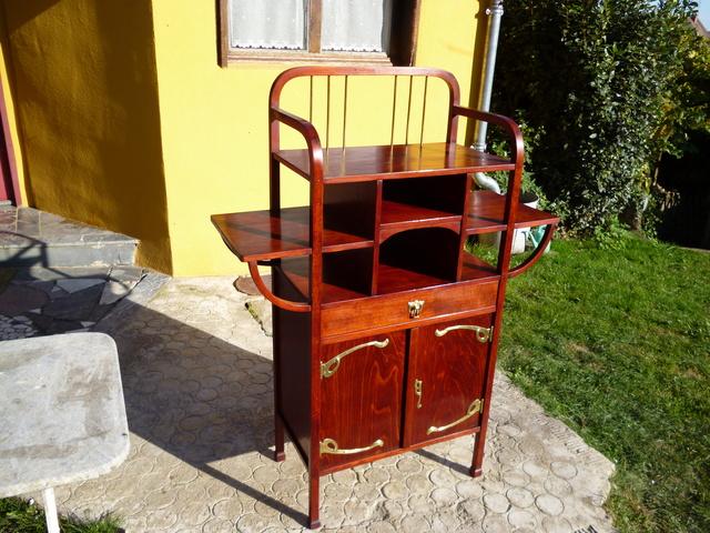 meuble etageres thonet n 20791 d ja vendu. Black Bedroom Furniture Sets. Home Design Ideas