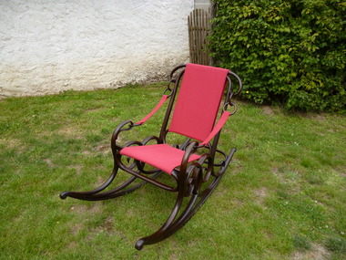 rocking chair thonet n 3 d ja vendu. Black Bedroom Furniture Sets. Home Design Ideas